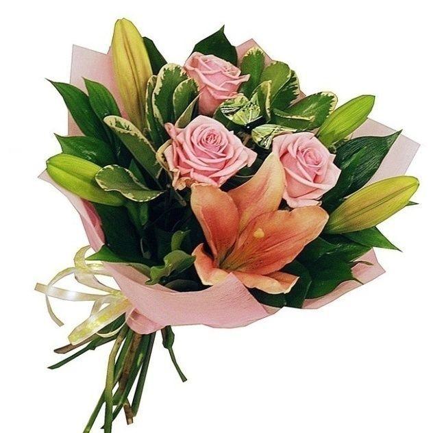 Букет роз и лилий